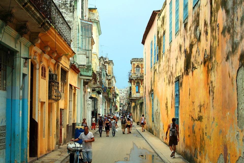 La Habana con playas de Tulum y Holbox
