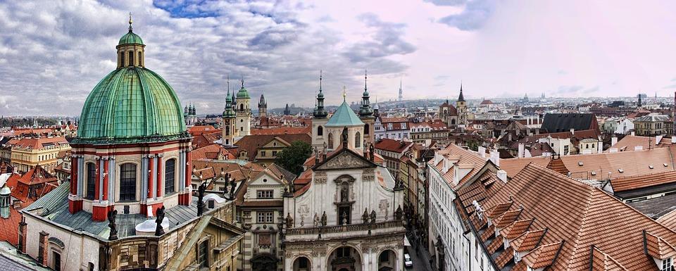Panoramica Praga cupulas