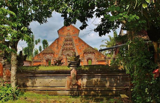 templos y cultura balinesa